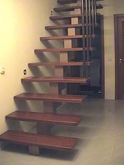 Лестницы для дома в Киеве.